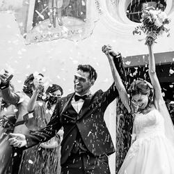 gli sposi escono dalla chiesa-Luigi Rota-bronze-wedding-6087