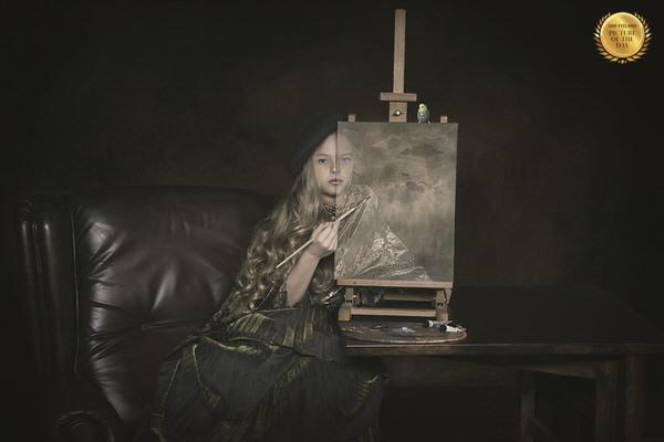 Photograph Carola Kayen Mouthaan Painting Myself on One Eyeland