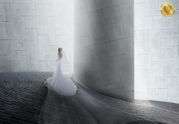 Photograph Kazutoshi Kawakami To Marriage on One Eyeland