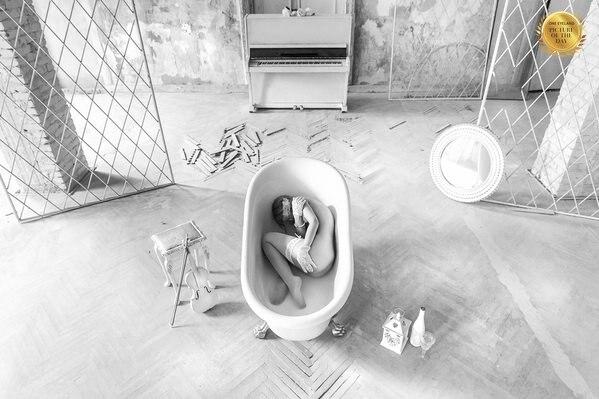 Photograph Ruslan Bolgov A Room Of Her Own on One Eyeland