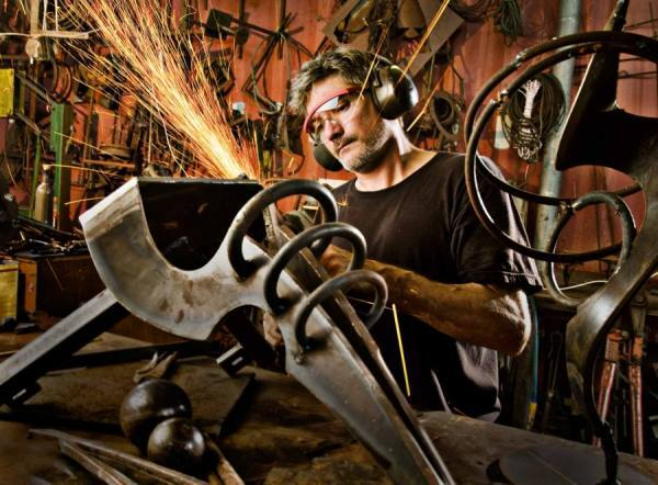 Photograph Steve Williams Metal Artist on One Eyeland